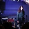 Flora : chanteuse